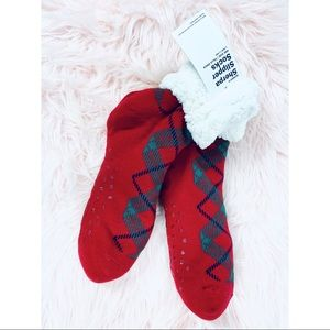 5 for $25 NWT Old Navy Sherpa holiday socks